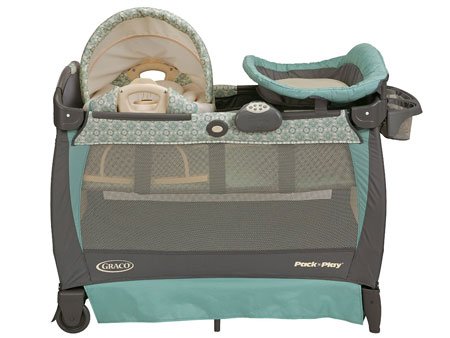 Graco Pack 'n Play Playard Bassinet Changer with Cuddle Cove Rocking Seat
